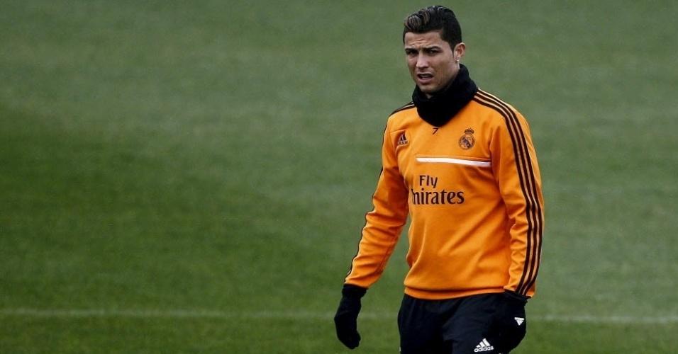 14.jan.2014 -  Um dia após ser eleito o melhor jogador do mundo, Cristiano Ronaldo treinou normalmente no Real Madrid