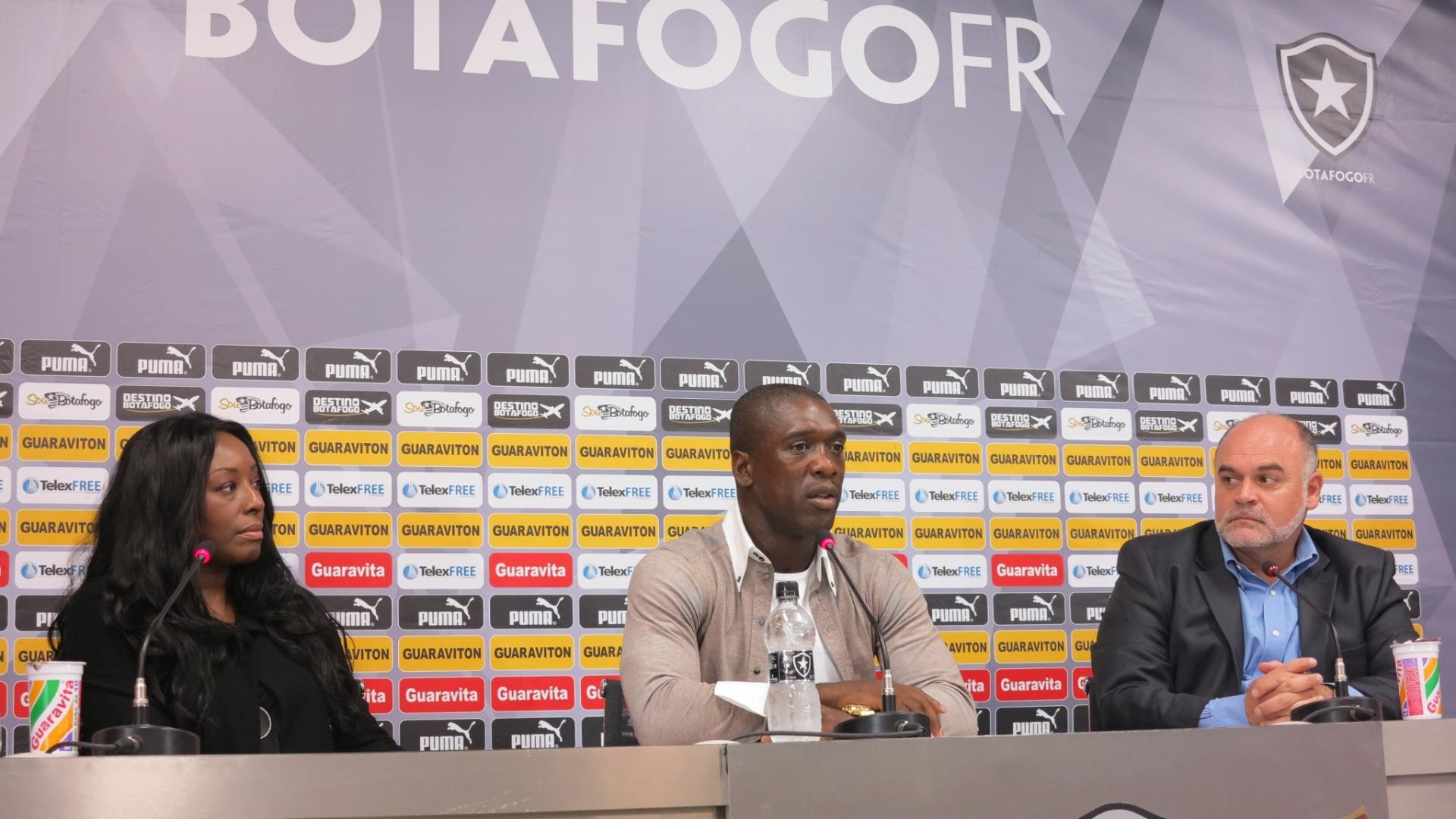 O meia Seedorf anuncia a aposentadoria e será o novo treinador do Milan