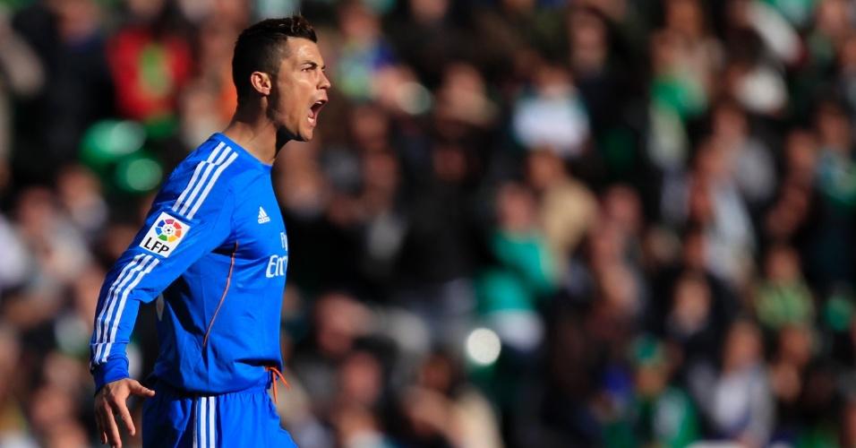 18.jan.2014 - Cristiano Ronaldo vibra após abrir o placar para o Real Madrid contra o Bétis