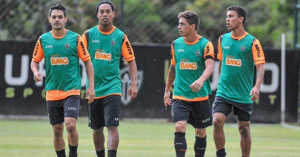 20 jan 2014 - Josué, Ronaldinho Gaúcho, Neto Berola e Marcos Rocha no primeiro dia de pré-temporada para o elenco completo do Atlético-MG