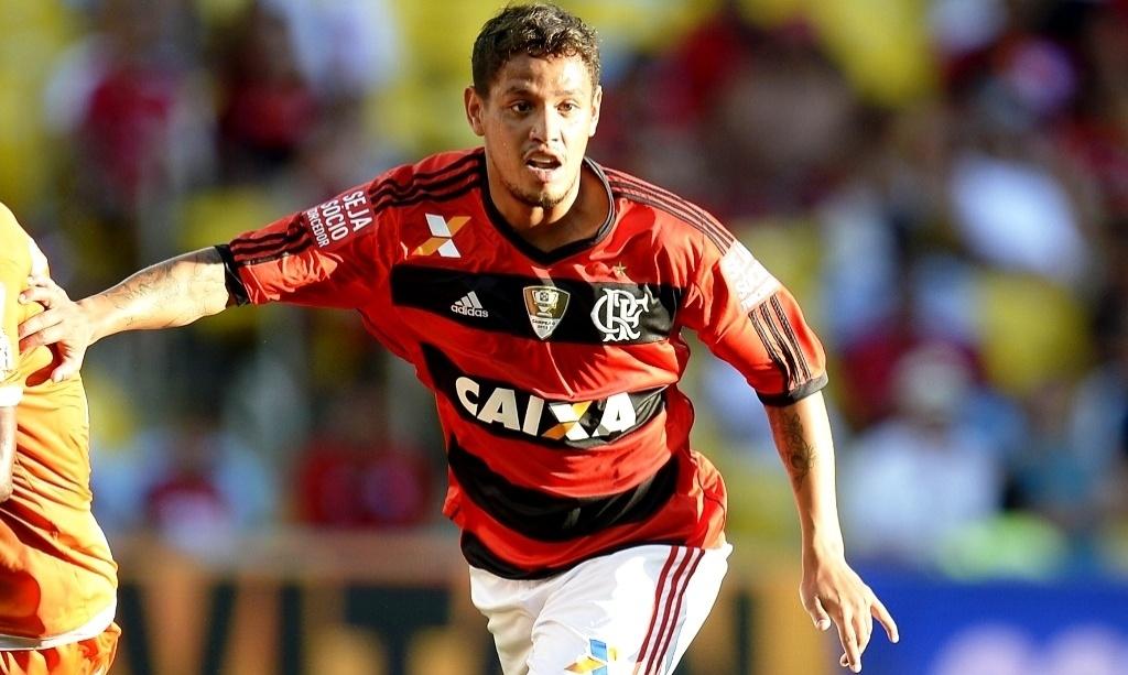 Carlos Eduardo participa de jogo do Flamengo contra o Audax, na estreia do time no Campeonato Carioca 2014