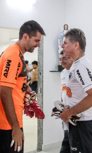 20 jan 2014 - Técnico Paulo Autuori, do Atlético-MG volta a trabalhar com o goleiro Victor