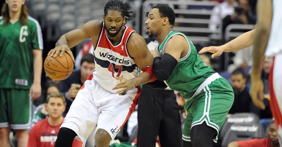 23.jan.2014 - Wizards, do brasileiro Nenê, perderam para os Celtics na prorrogação