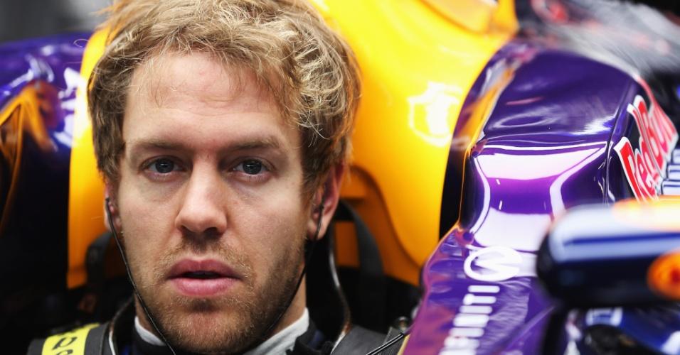 Sebastian Vettel se prepara para o segundo dia de testes da Fórmula 1