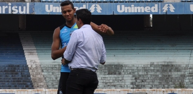 Souza se despediu de diretor executivo do Grêmio, Rui Costa, e vai para o São Paulo