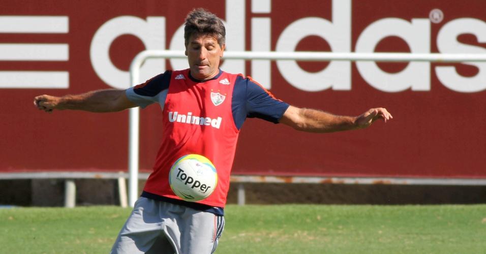 27.jan.2014 - O técnico Renato Gaúcho participa de treinamento no Fluminense