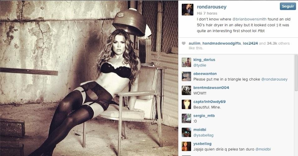 6.fev.2014 - Campeã do UFC, Ronda Rousey usou as redes sociais para divulgar fotos de um ensaio sensual que protagonizou