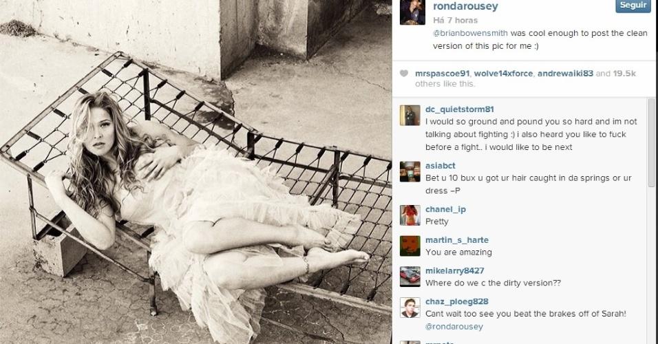 6.fev.2014 - Ronda Rousey posou para ensaio sensual e divulgou as fotos em sua conta no Instagram