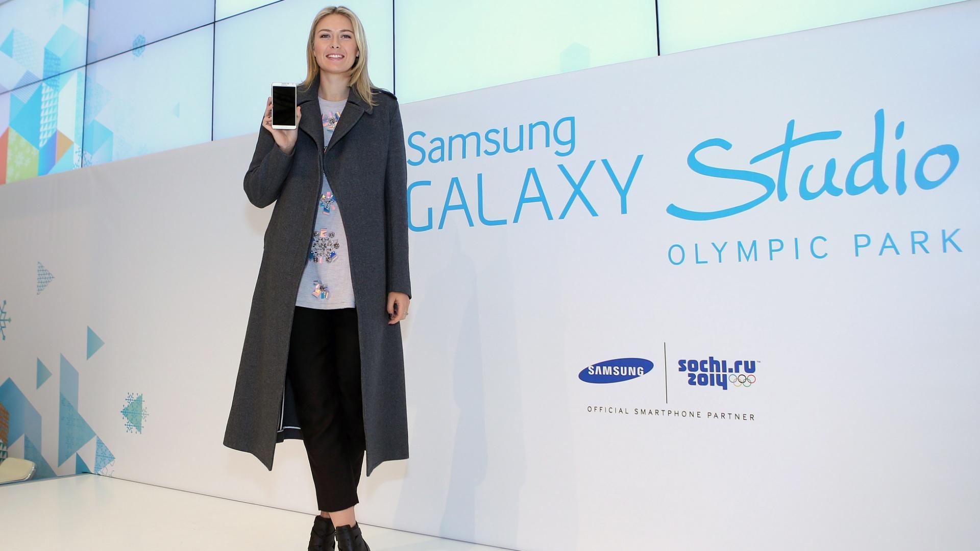 O outro evento da semana (aproveitando os Jogos de Inverno na Rússia) foi o lançamento de um novo modelo de celular da Samsung em Sochi. Ela é embaixadora da marca coreana...