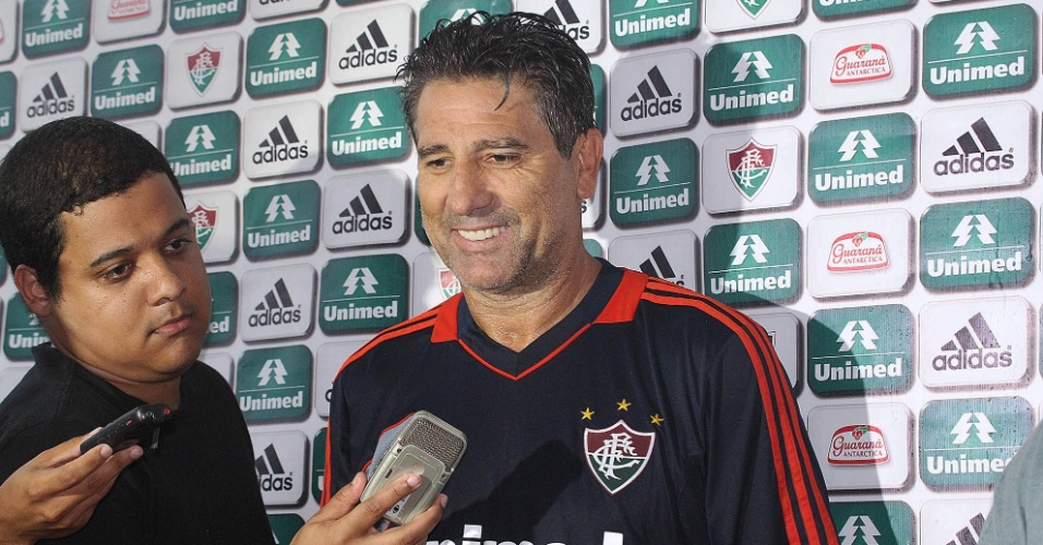 17 jan 2014 - Renato Gaúcho dá entrevista após treinamento do Fluminense