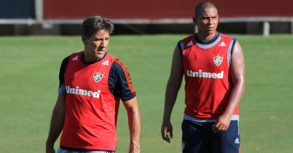 27 jan. 2014 - Renato Gaúcho e Walter juntos durante treinamento do Fluminense