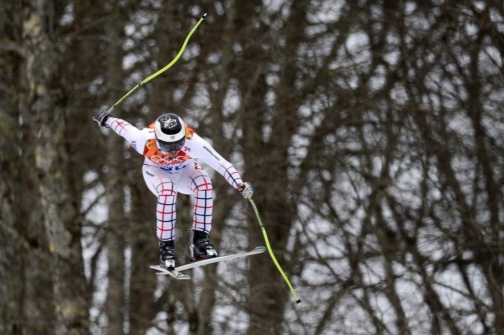09.02.2014 - Tcheco Ondrej Bank voa na prova de ski alpino downhill