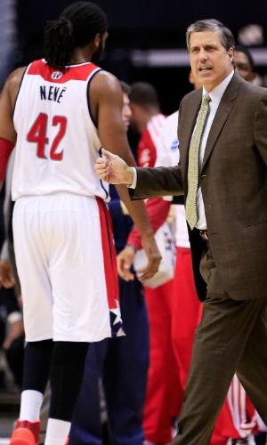 09.02.2014 - Pivô brasileiro Nenê foi o cestinha na vitória do Washington Wizards