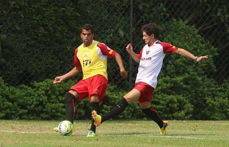 Alexandre Pato treina pela primeira vez com a camisa do São Paulo