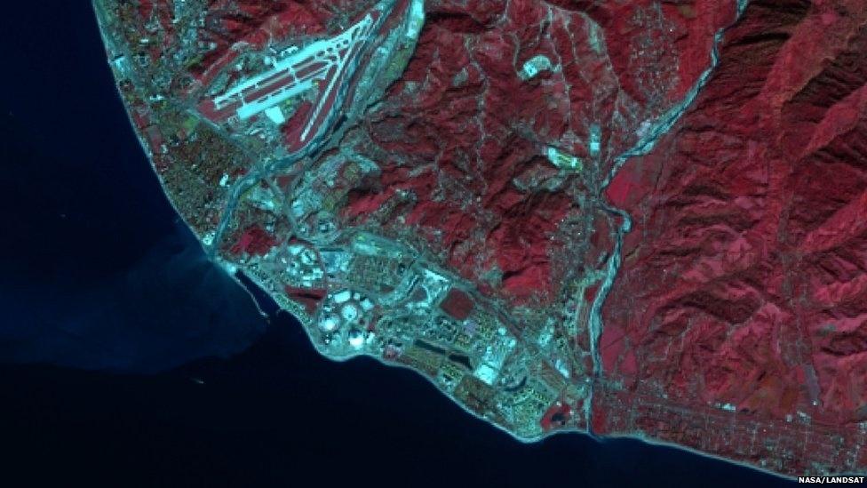 Feita em 2013, imagem mostra as instalações olímpicas sendo construídas em Sochi, na Rússia