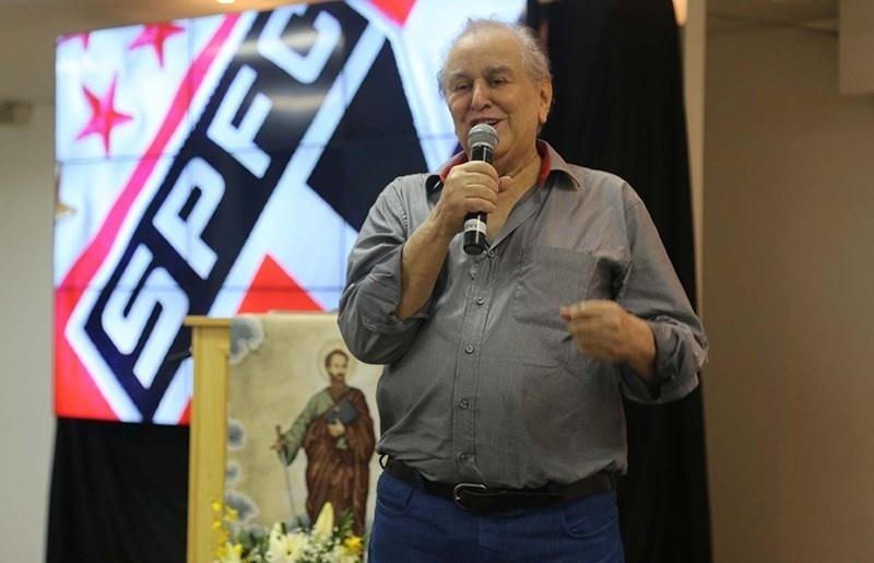Presidente do São Paulo Juvenal Juvêncio fala em público