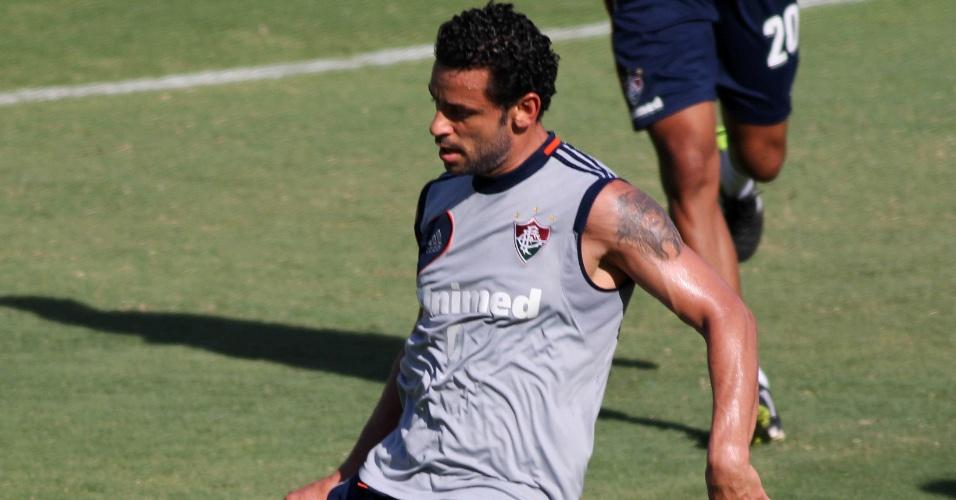 12.fev.2014 Fred participa normalmente de treinamento do Fluminense nas Laranjeiras