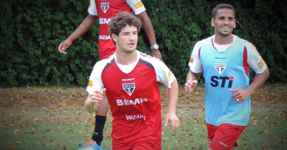 Na primeira parte do treino desta quarta-feira (12/02), Muricy Ramalho dividiu o elenco em três times, com três gols