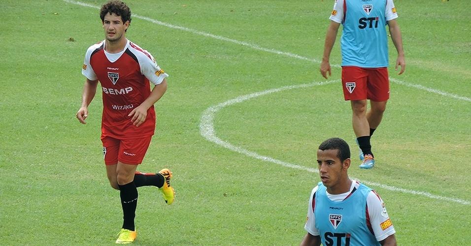 Pato esteve à vontade, pediu bolas no treino e não amenizou nas divididas