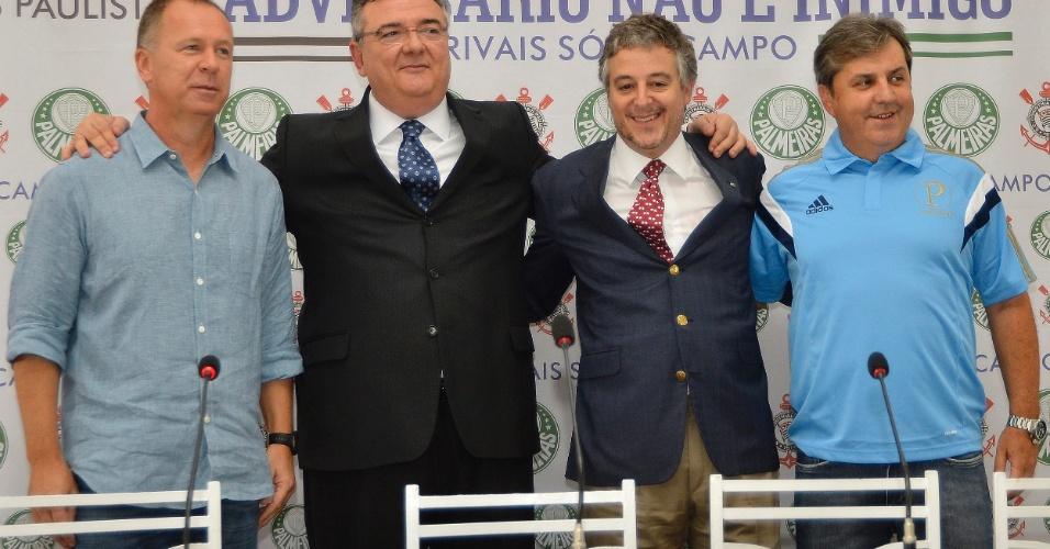14.fev.2014 - Mano Menezes, Mario Gobbi, Paulo Nobre e Gilson Kleina participam de entrevista coletiva antes do clássico Corinthians x Palmeiras