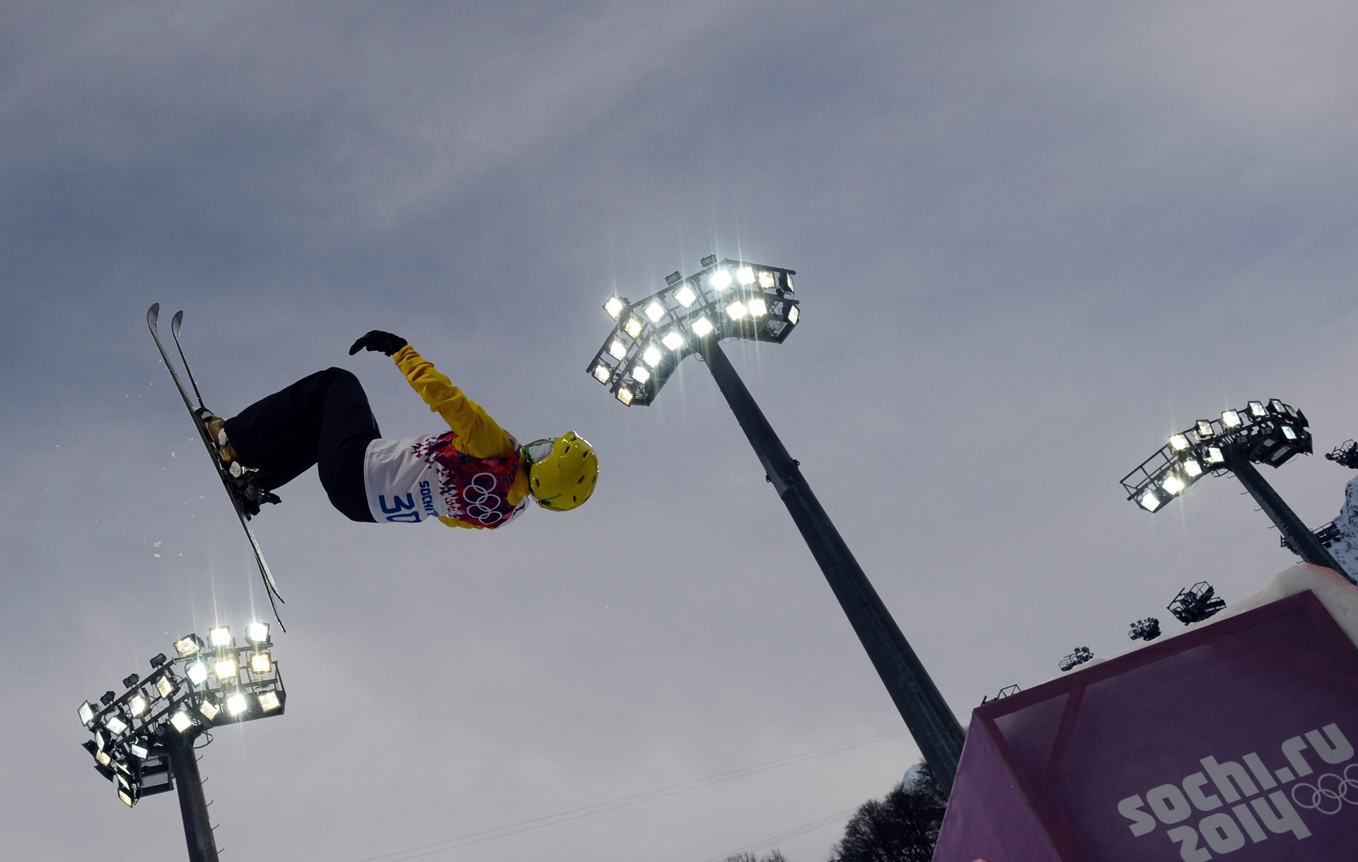 Josi Santos salta na prova de esqui aerials dos Jogos Olímpicos de Inverno de Sochi