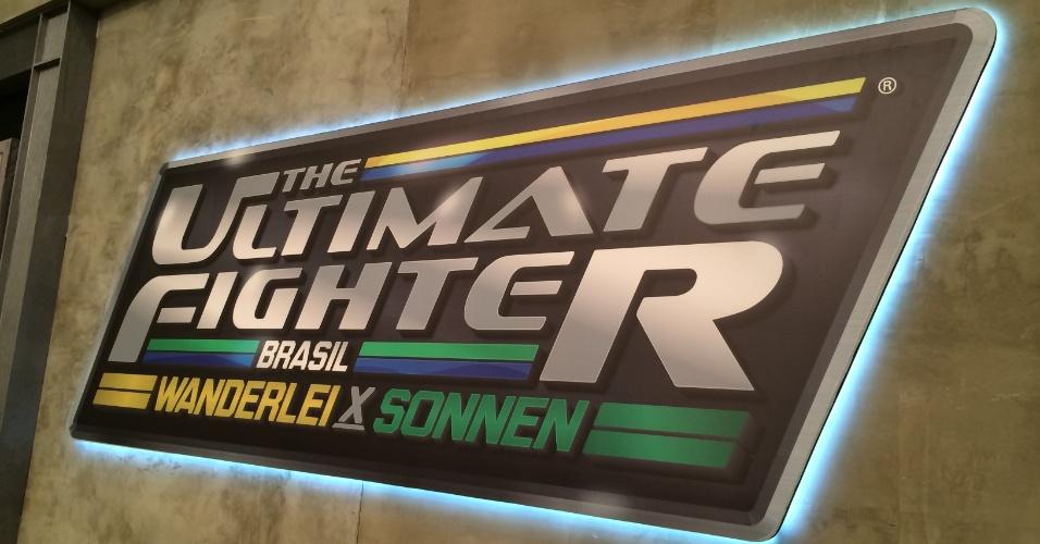Logomarca do TUF Brasil aparece em vários cantos da academia