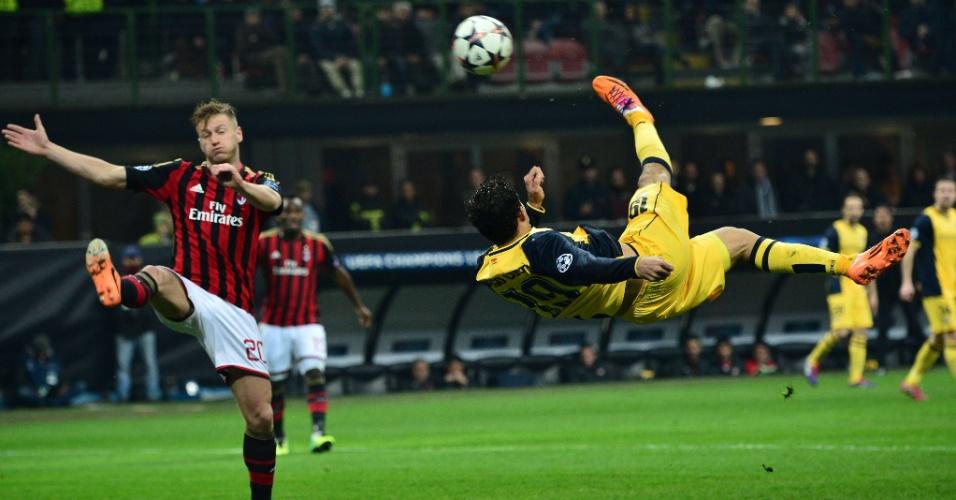 19.fev.2014 - Brasileiro naturalizado espanhol Diego Costa, do Atlético de Madri, dá bicicleta em jogo contra o Milan, fora de casa