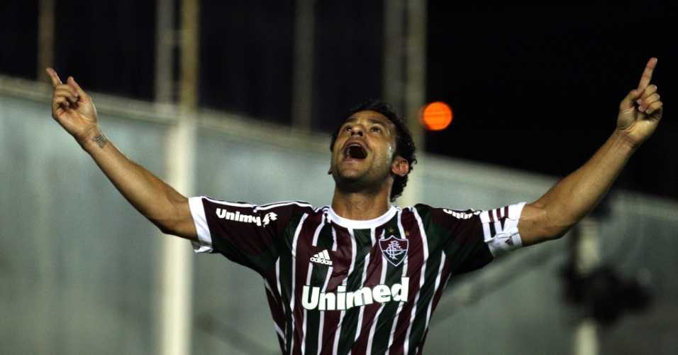 19.fev.2014 - Fred comemora seu primeiro gol depois de voltar de lesão em jogo do Fluminense contra o Macaé, pelo Carioca