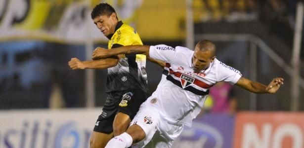 Luis Fabiano foi um dos melhores do São Paulo: não foi o suficiente para vencer no ABC