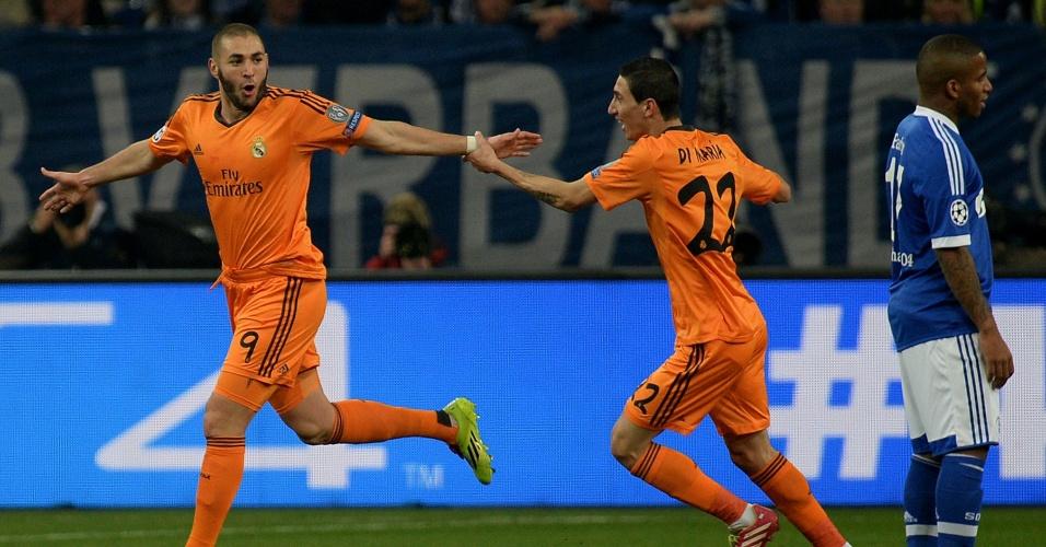 26.fev.2014 - Karim Benzema comemora primeiro gol do Real Madrid sobre o Schalke 04 em jogo pelas oitavas da Liga dos Campeões