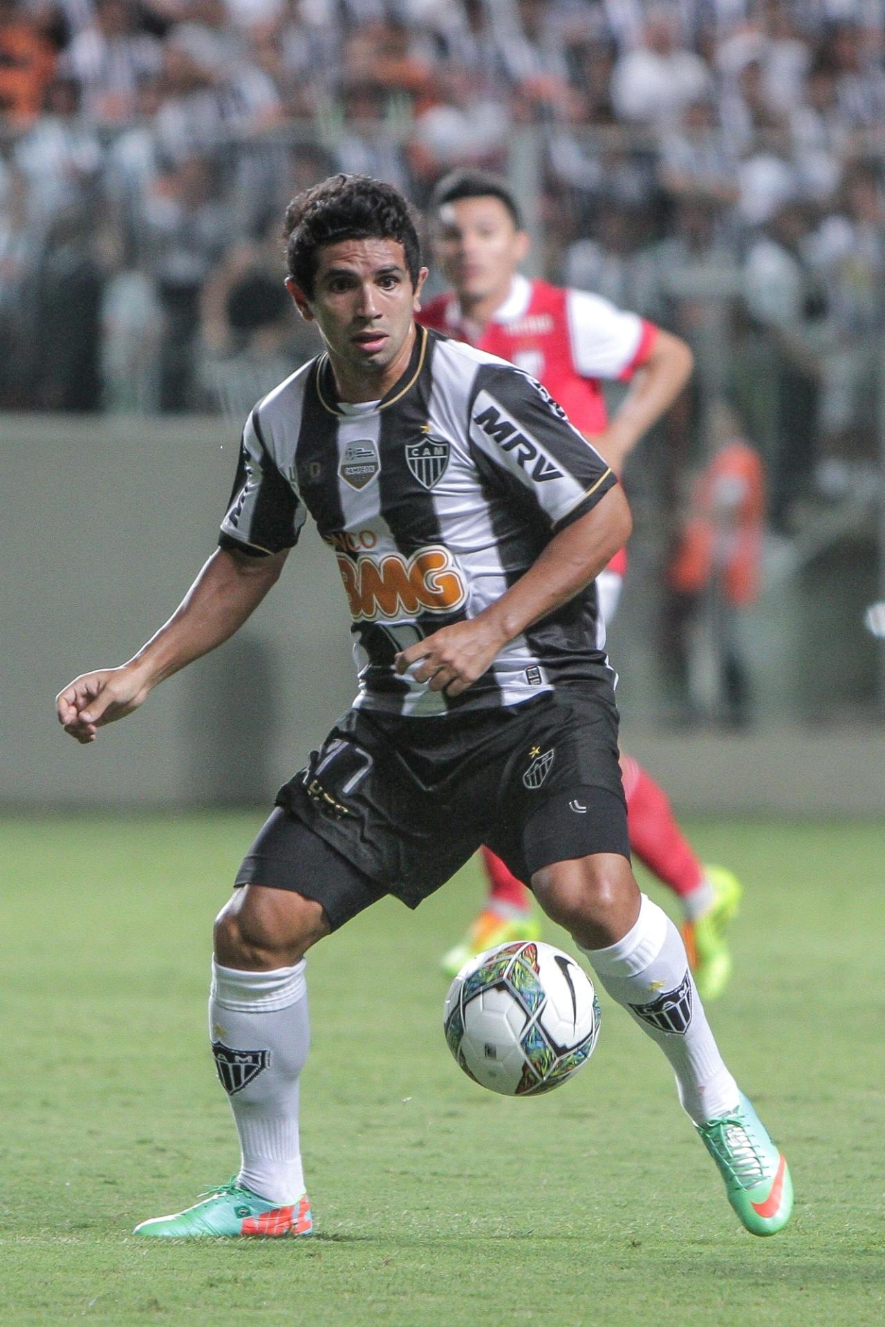 26 fev. 2014 - Atacante Guilherme durante vitória do Atlético-MG sobre o Santa Fé, por 2 a 1, pela Libertadores