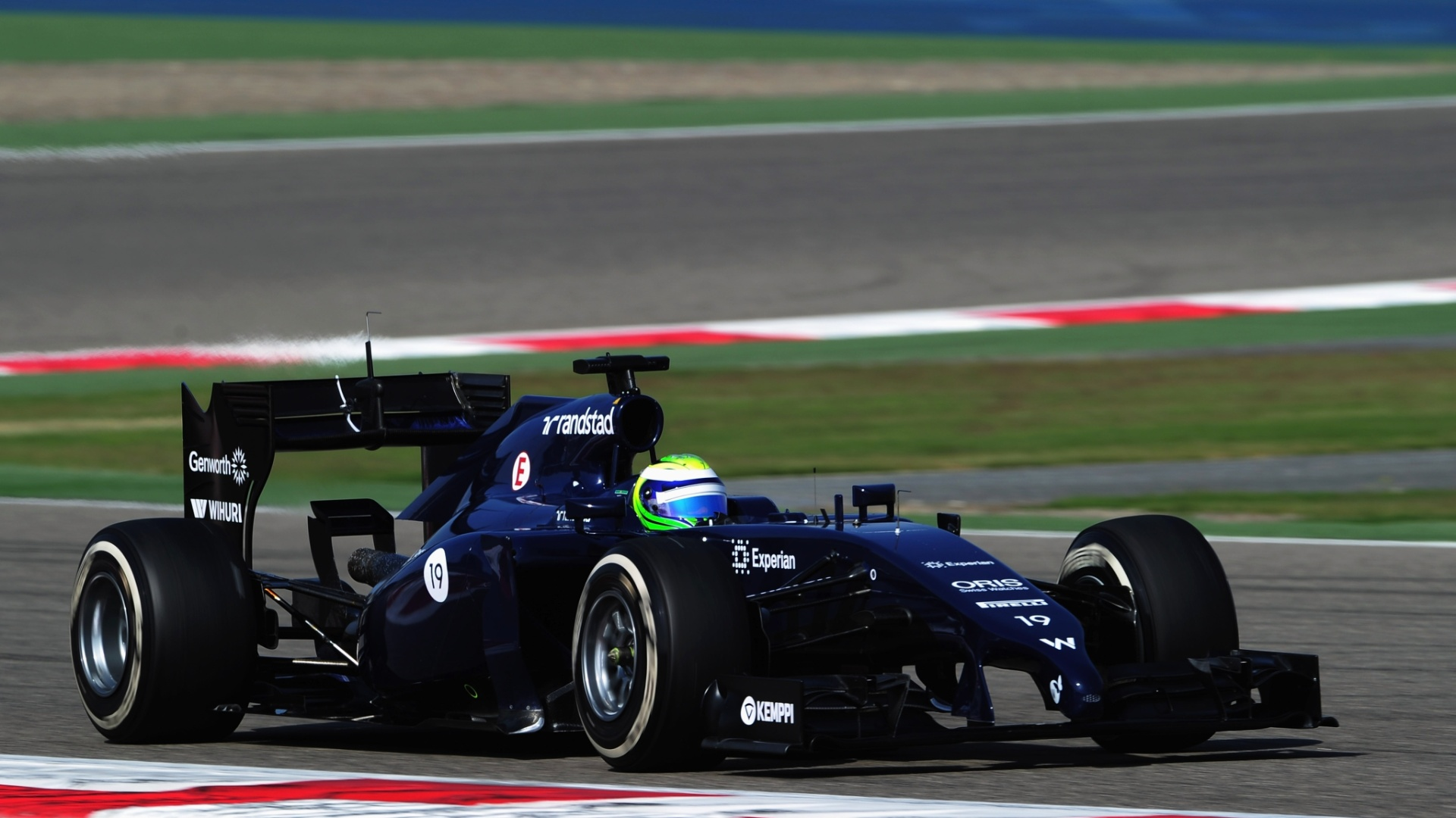 01.mar.2014 - Felipe Massa levou a Williams para a pista neste sábado no Bahrein