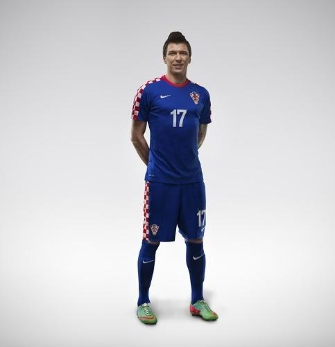 04.03.14 - Camisa quadriculada da Croácia deve aparecer no jogo de abertura da Copa do Mundo, contra o Brasil, em São Paulo