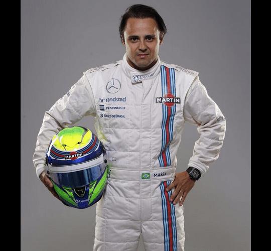 Felipe Massa posa com novo macacão da Williams para a temporada de de 2014