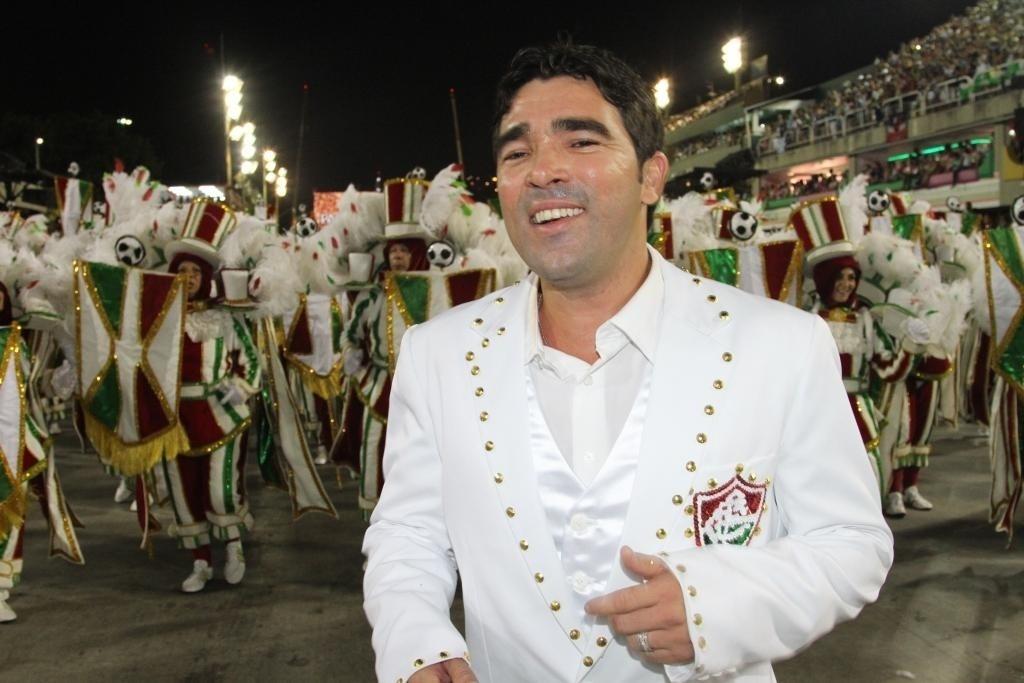 Deco participa do desfile das campeãs no Rio de Janeiro