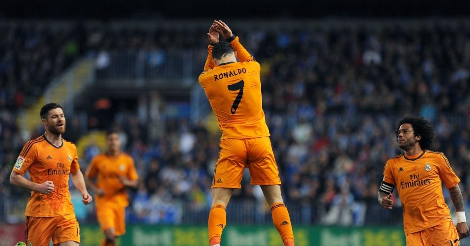 15.mar.2014 - Cristiano Ronaldo marca pelo Real Madrid na partida contra o Málaga, pelo Campeonato Espanhol