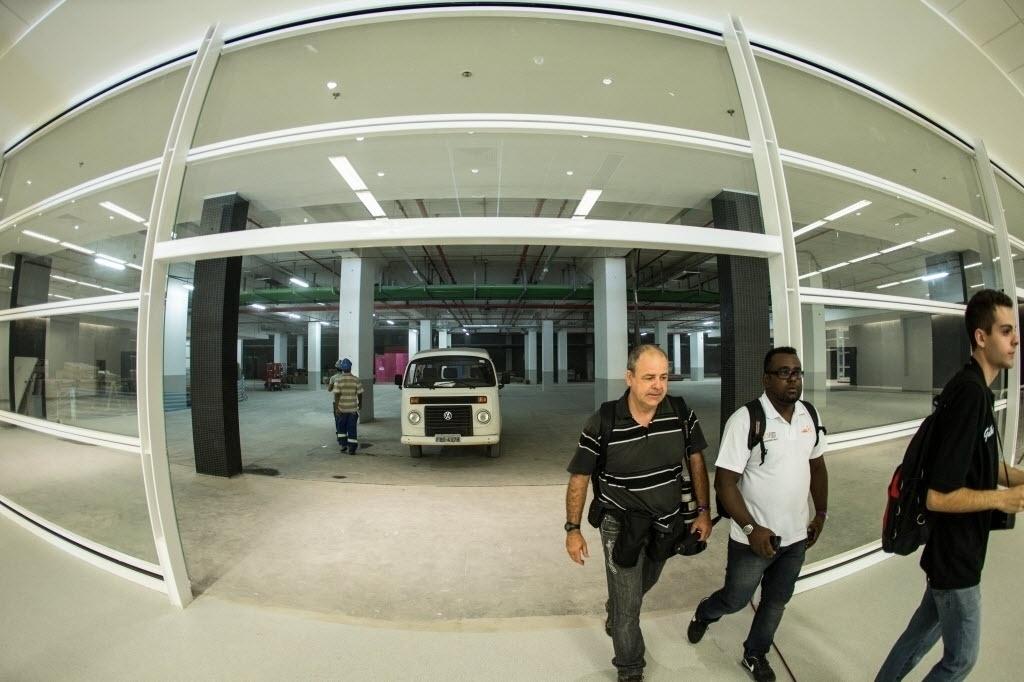 Entrada do estádio Itaquerão para os jornalistas ainda conta com alguns setores passando por reformas