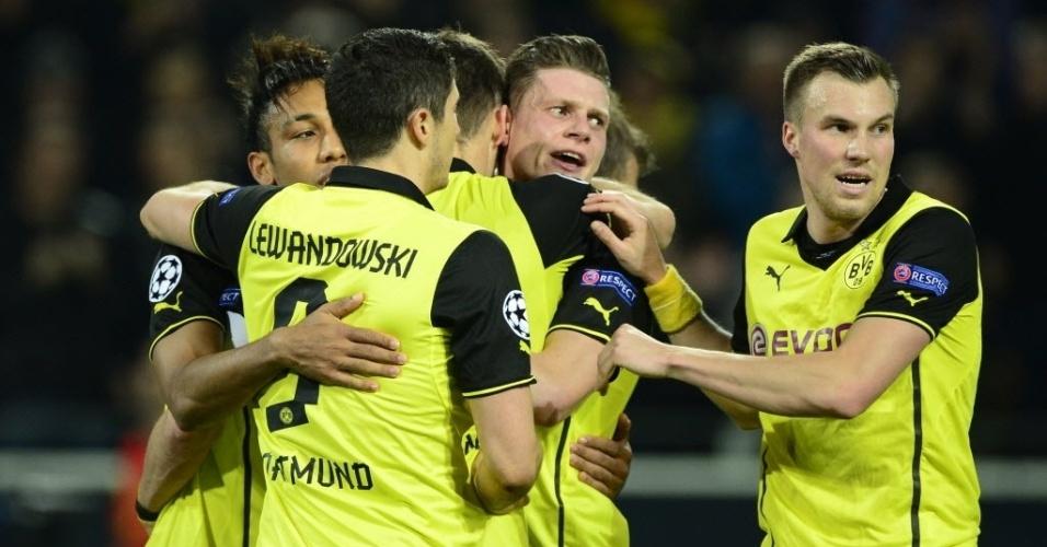 19.mar.2014 - Jogadores do Borussia Dortmund comemoram gol de Sebastian Kehl na partida contra o Zenit pelo jogo de volta da Liga dos Campeões