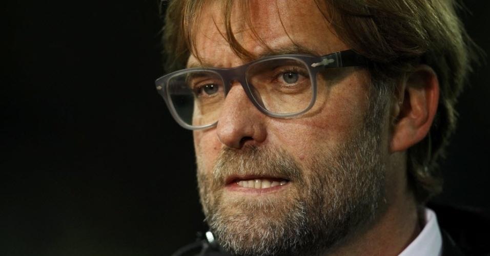 19.mar.2014 - Técnico do Borussia Dortmund, Juergen Klopp observa do banco de reservas a partida da sua equipe contra o Zenit pela Liga dos Campeões