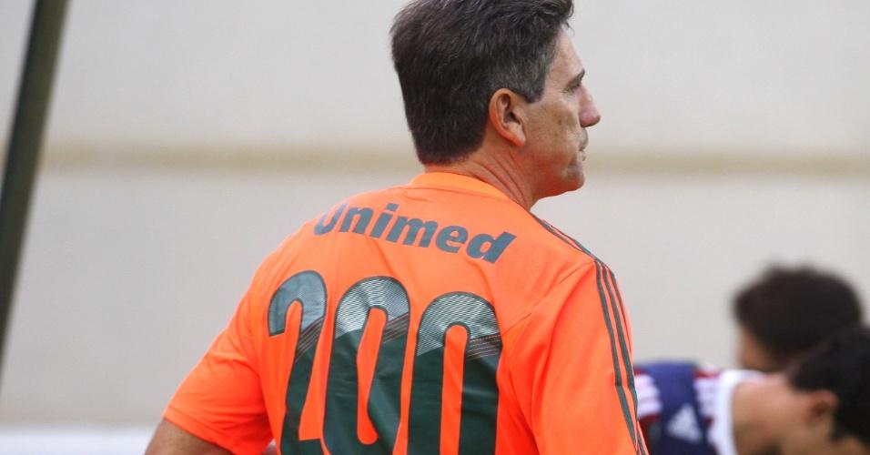 Renato Gaúcho usa camisa 200, número de vezes que comandou o Fluminense
