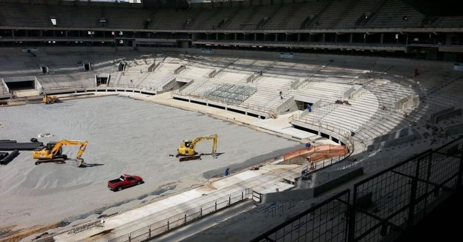 Foto mostra uma das estruturas de um dos telões da Arena Palestra. Custo de cada um é de R$ 3,5 milhões