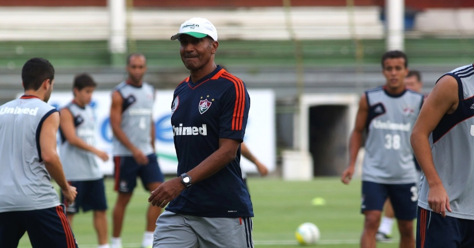 3.abr.2014 - Cristóvão Borges comanda seu primeiro treino no Fluminense