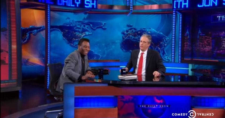 03.abr.2014 - Pelé foi ao programa Daily Show com Jon Stewart