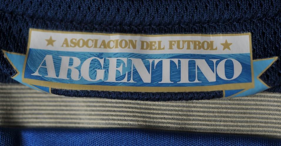 Argentina - camisa azul - detalhe da gola