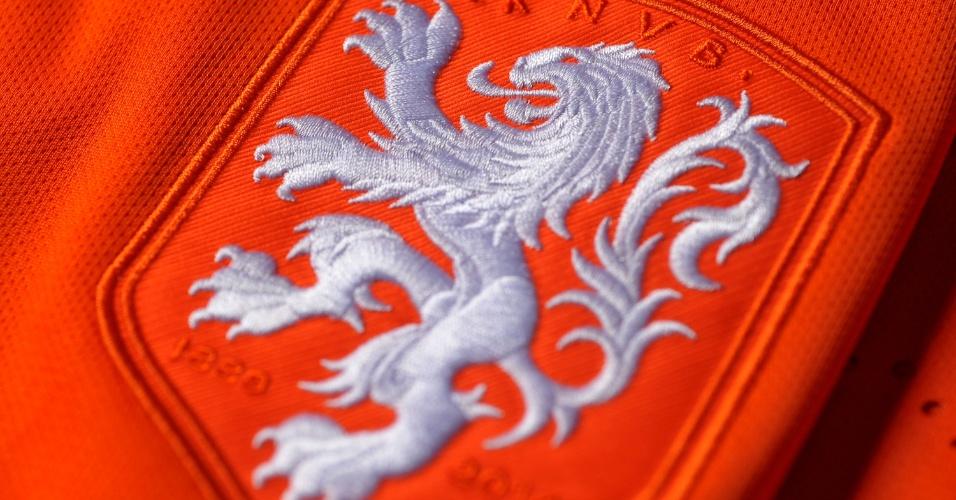 Holanda - Camisa laranja - escudo