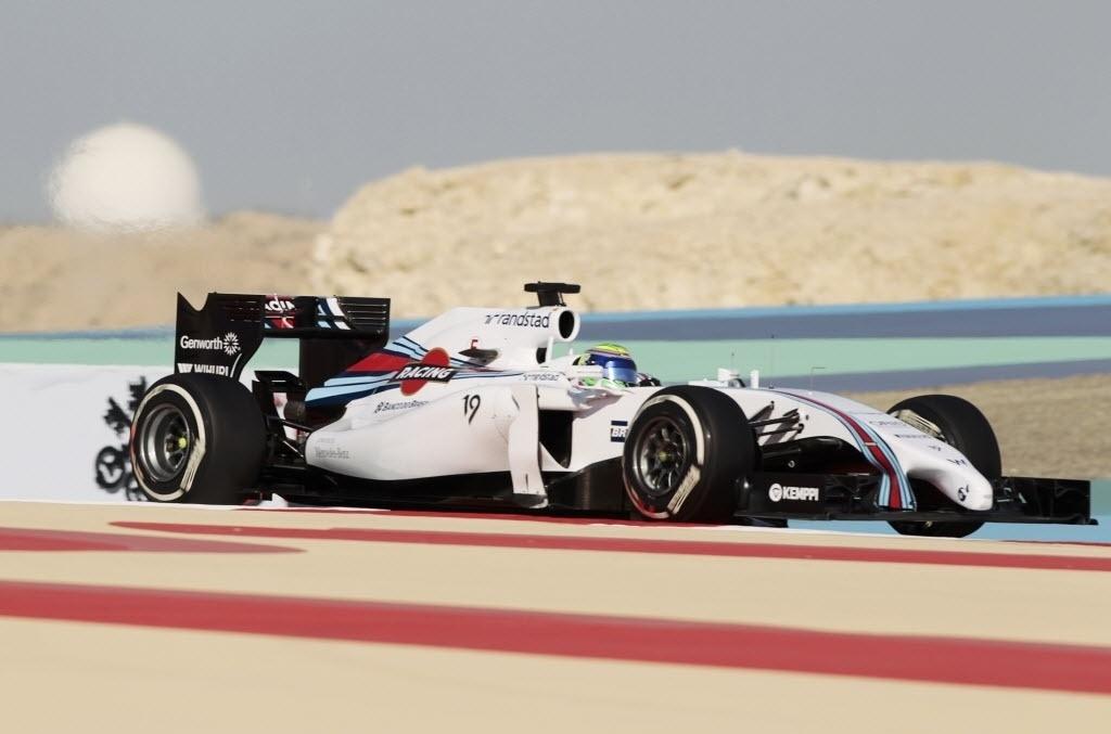 05.abr.2014 - Felipe Massa faz o quinto melhor tempo na terceira sessão de treinos livres no Bahrein