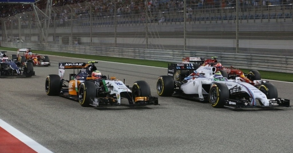 06.abr.2014 - Felipe Massa larga bem e pula do sétimo para o terceiro lugar no GP do Bahrein