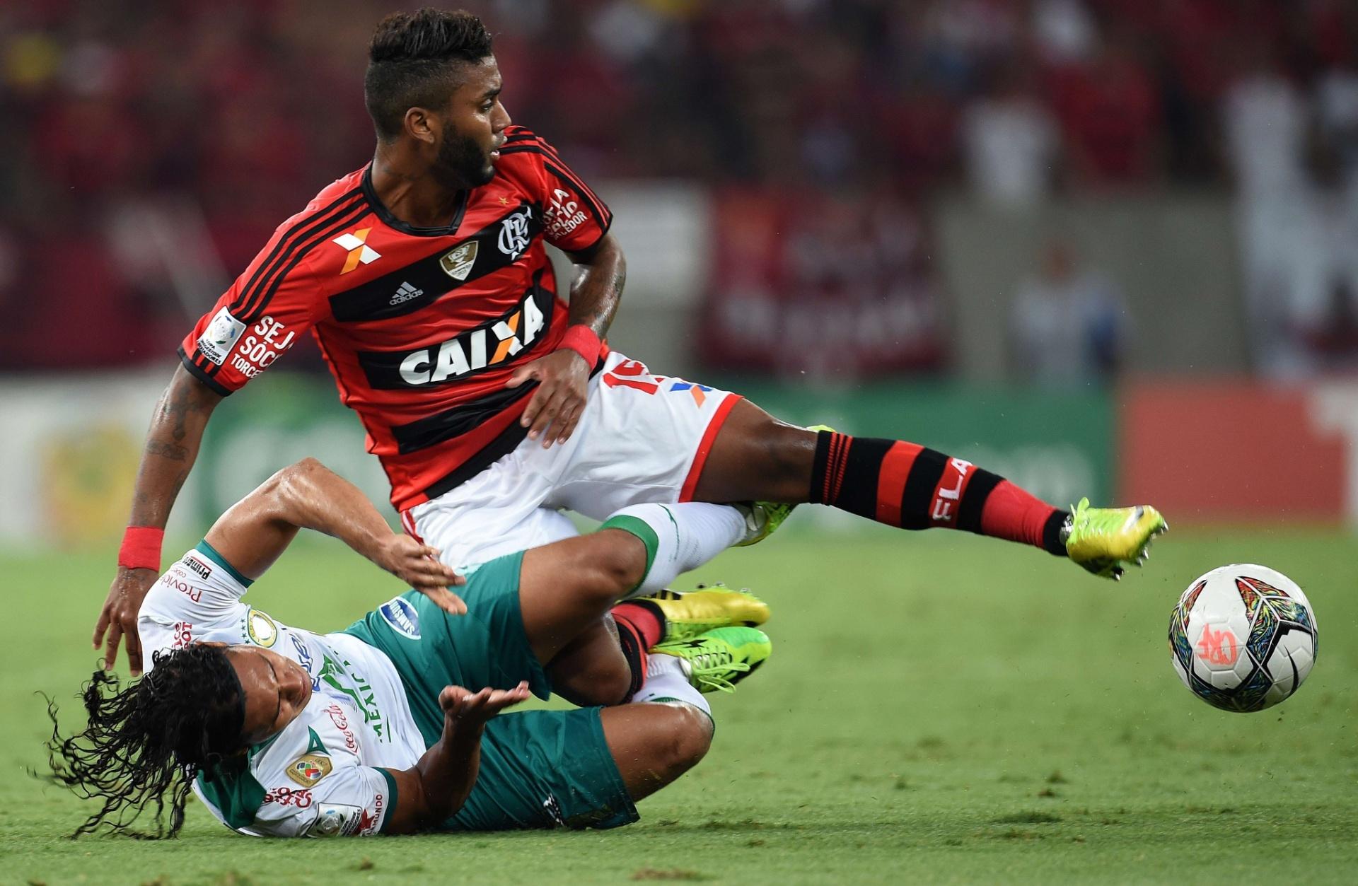 09.04.2014 - Flamengo e León protagonizaram um jogo muito disputado no Maracanã