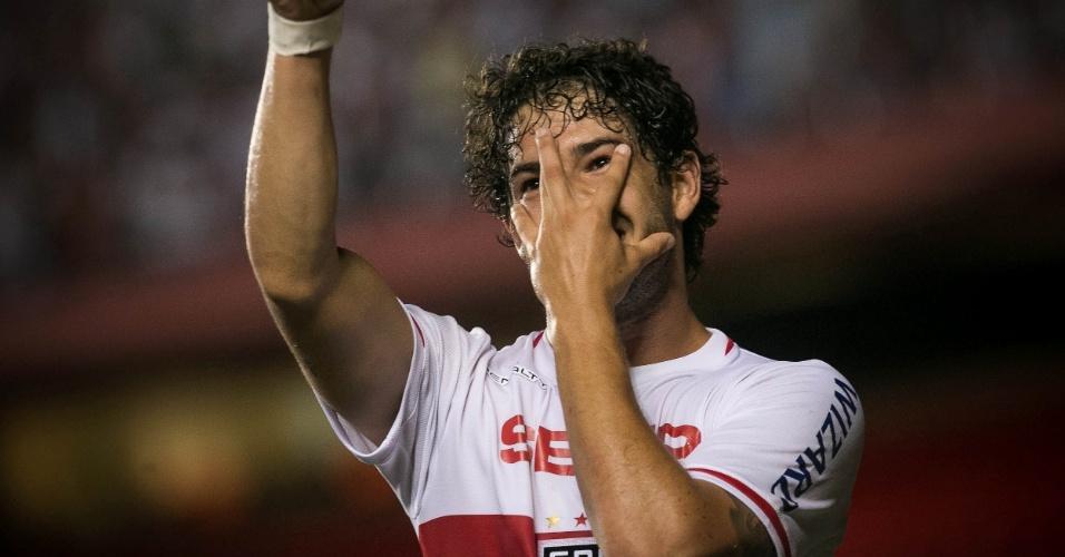 09.abr.2014 - Alexandre Pato faz a já conhecida