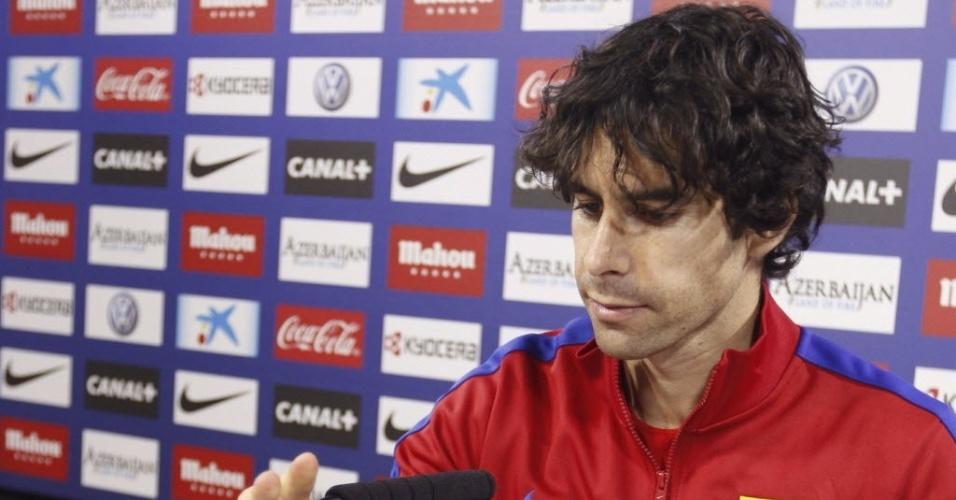 11.04.2014 - Tiago, do Atlético de Madri, fala com a imprensa